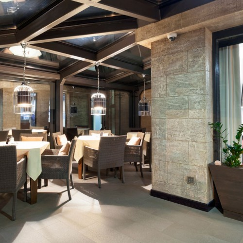Feature Lighting Hotel Conservatory
