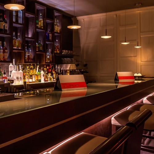 Winehouse Glass Bar Counter