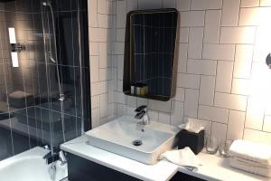 chrysalis-epic-hotel-liverpool-bathroom