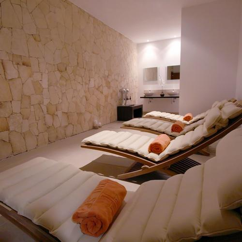chrysalis-spa-beds