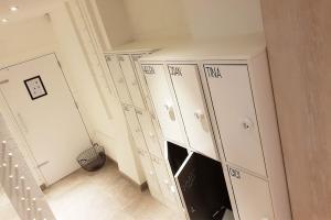 chrysalis-sweaty-betty-gym-lockers