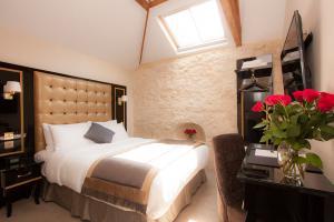 chrysalis-the-museum-hotel-bedroom