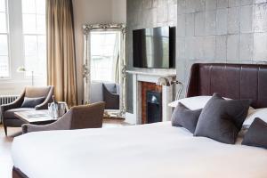 chrysalis-tunbridge-wells-hotel-headboard