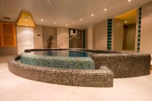 Mosaic Spa Jacuzzi